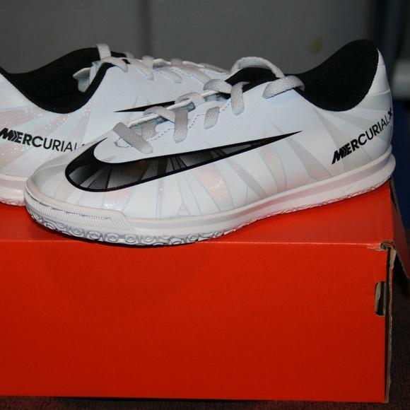 Untado Decepción clima  Nike Jr. Shoes | Nike Jr Mercurialx Vortex 3 Cr7 Ic Soocer Shoe New |  Poshmark
